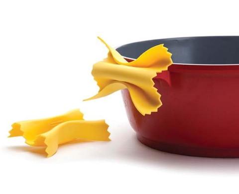 farfalloni-pasta-shape-oven-gloves_large